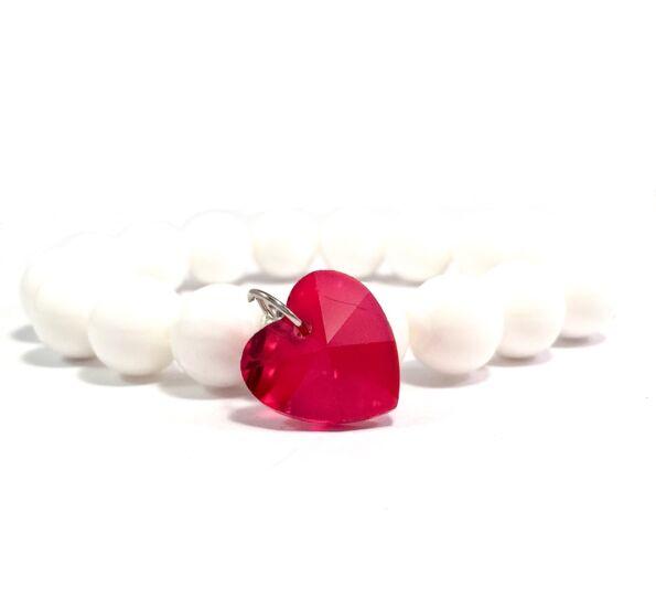Gyöngyház piros kristály szíves 10-es karkötő