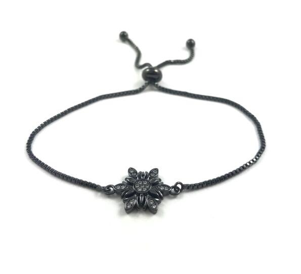 Fekete virág medálos acél karkötő