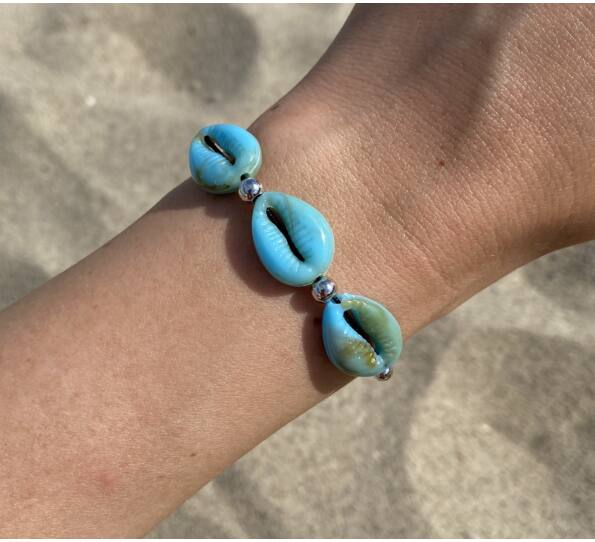 Turkiz shell string bracelet