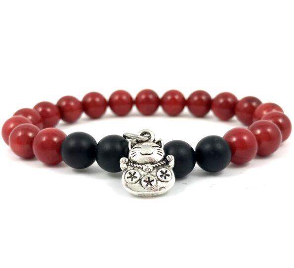 Corall and matte onyx with maneki-neko cat bracelet