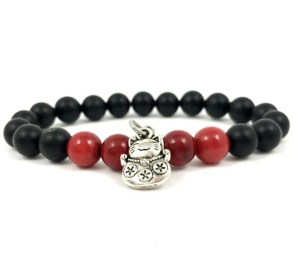 Matte onyx and corall with maneki-neko cat bracelet