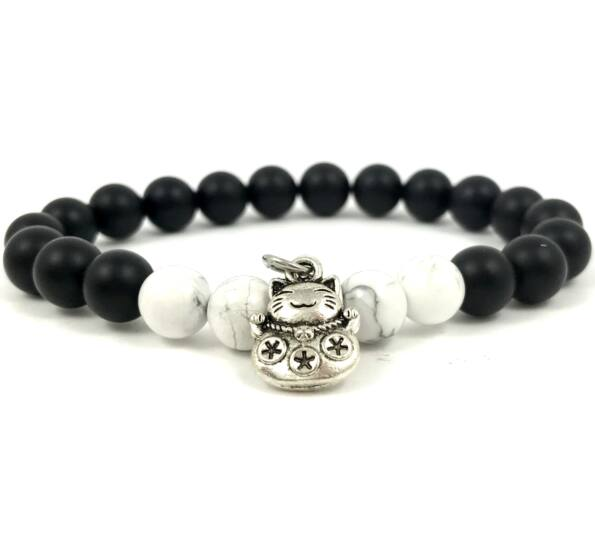 Matte onyx and howlite with maneki-neko cat bracelet