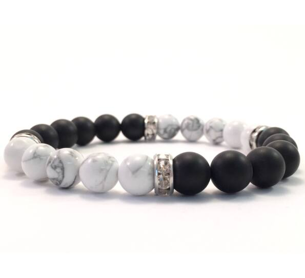Matte onix and howlit quarter bracelet