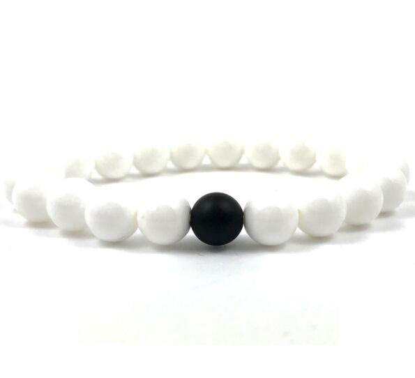 Nacre and matte onyx fleck pearl bracelet