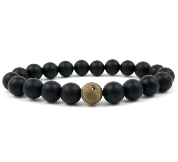 Matte onyx and gold agate fleck pearl bracelet