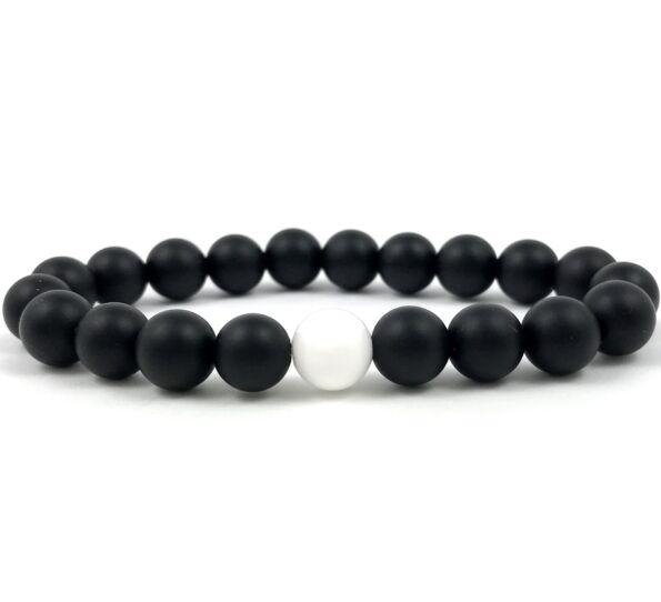Matte onyx and nacre fleck pearl bracelet