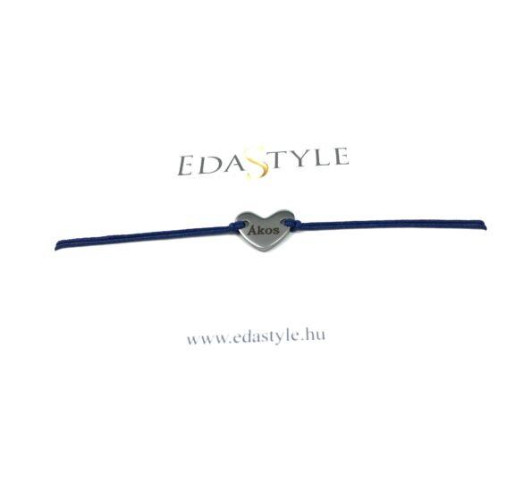 Gravírozott szív medálos kék zsineg karkötő