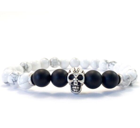 Howlite and onyx skull bracelet